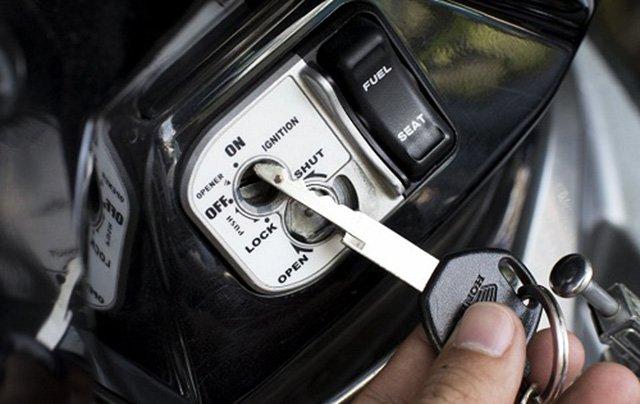 Mở khóa từ xe máy Honda